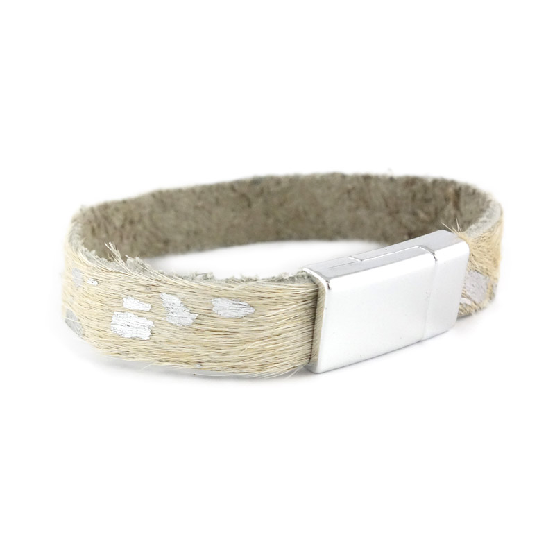 Leren armband kleur wit zilver detail