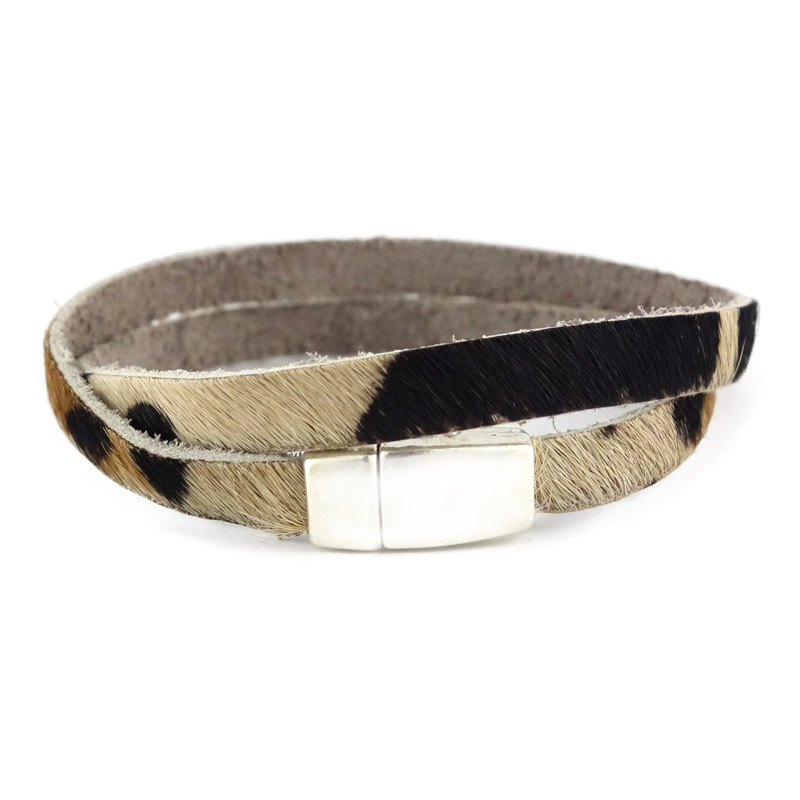 Smalle leren armband kleur zwart bruin wit detail