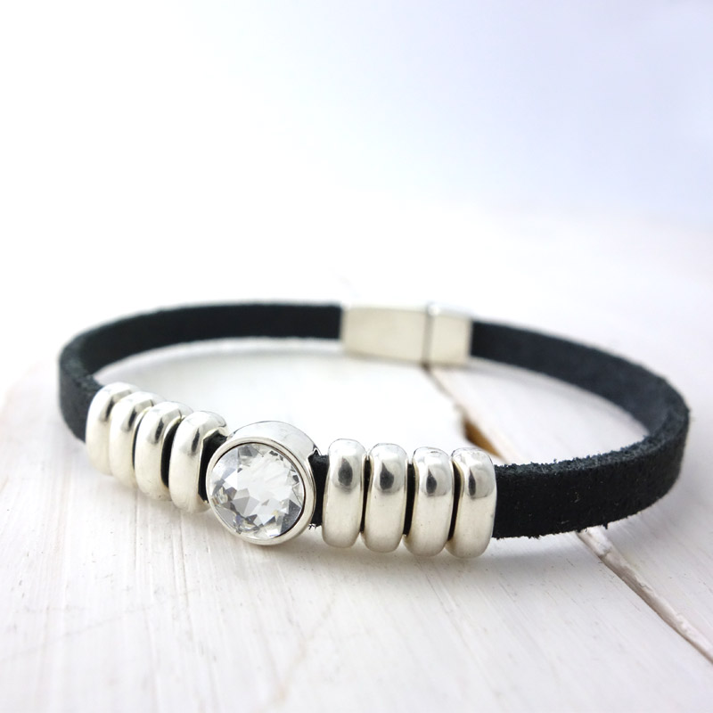 Leren armband black white detail