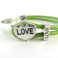 Nieuwe kleuren Love armbanden