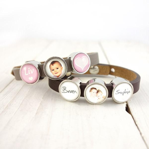 Voorbeeld 2 naambedels voor smalle armband